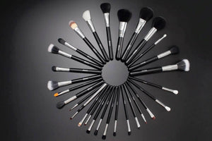 Professional Makeup Brush Set with Belt Bag