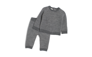 x KNIT JUMPER & TROUSERS