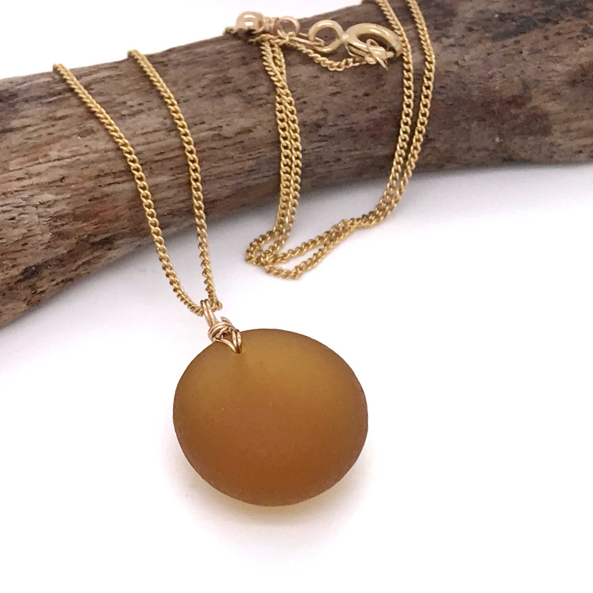 Manly market jeweller Kriket Broadhurst rare amber seaglass necklace gold chain