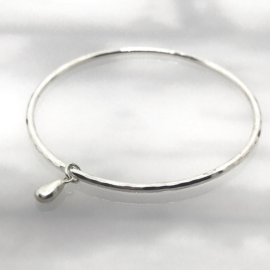 Silver Bangle with Seaglass Charm - kriket broadhurst jewellery Manly market