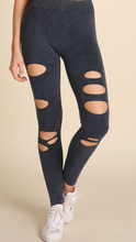 Load image into Gallery viewer, Distressed Leggings