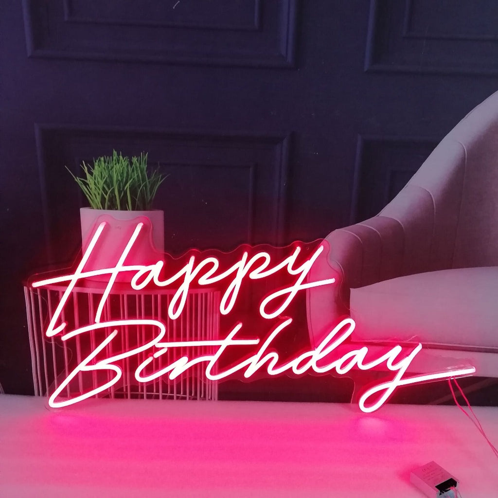 Neon Sign 'Happy Birthday'