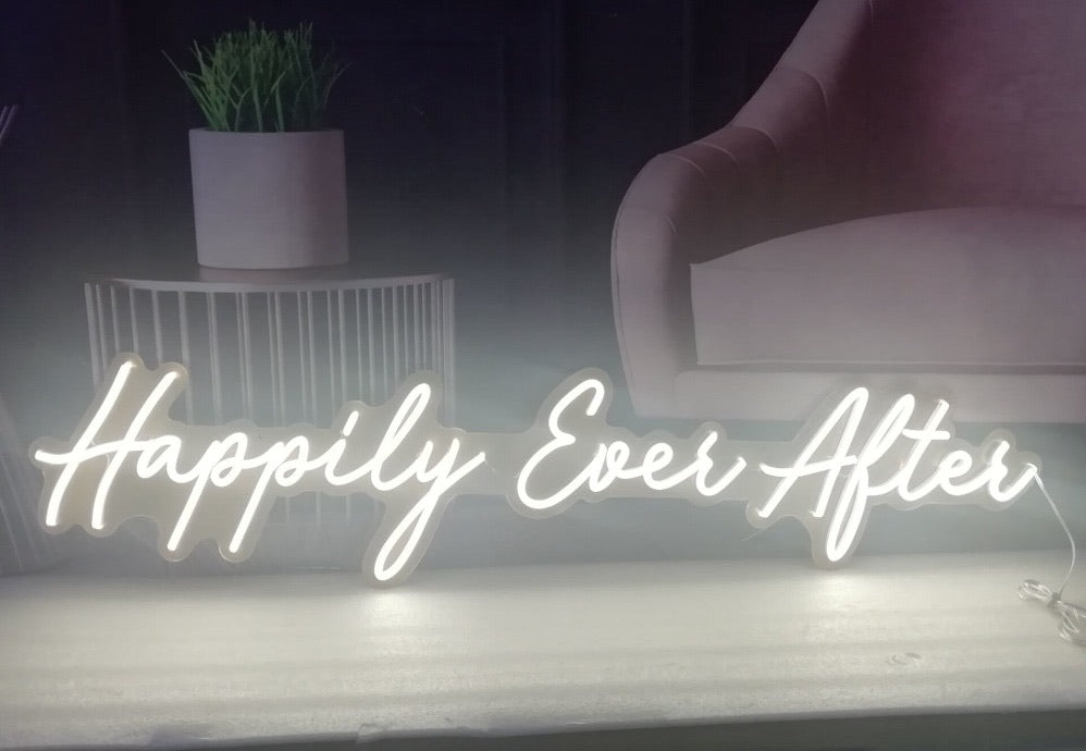Neon Sign 'happily ever after'
