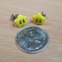 Tiny Mario Stars stud earrings - Handmade