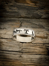 Load image into Gallery viewer, Howling Wolf Ring - Kiwo Shop
