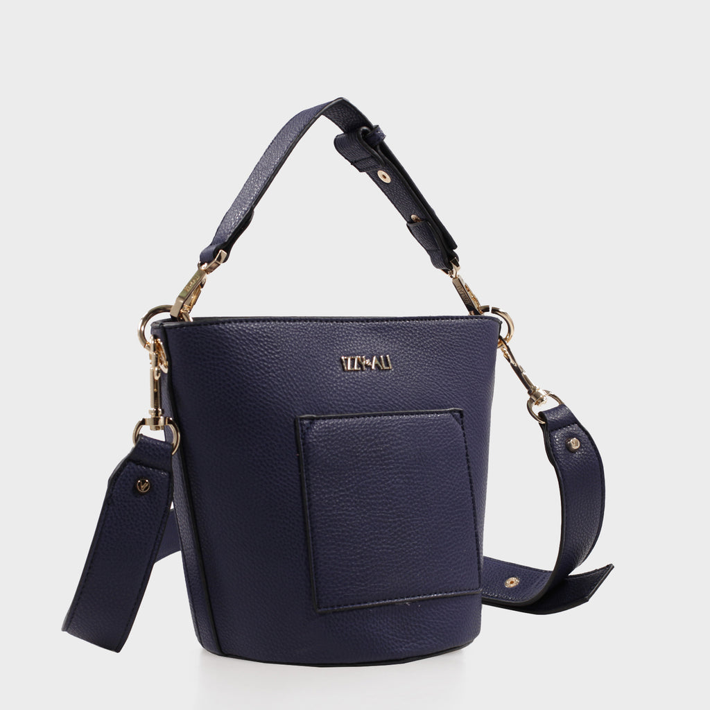Izzy & Ali | Cory Bucket in navy