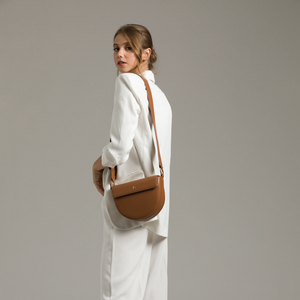 Izzy & Ali | Capri Crossbody Editorial