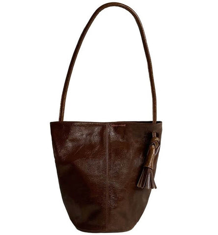 Brown is the Best Color for a Handbag when Travelling.