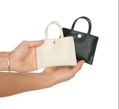 Hozen's Card Sleeve, an adorable doll sized tote.