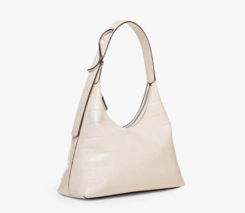 Elegant white bags look great with almost every outfit.