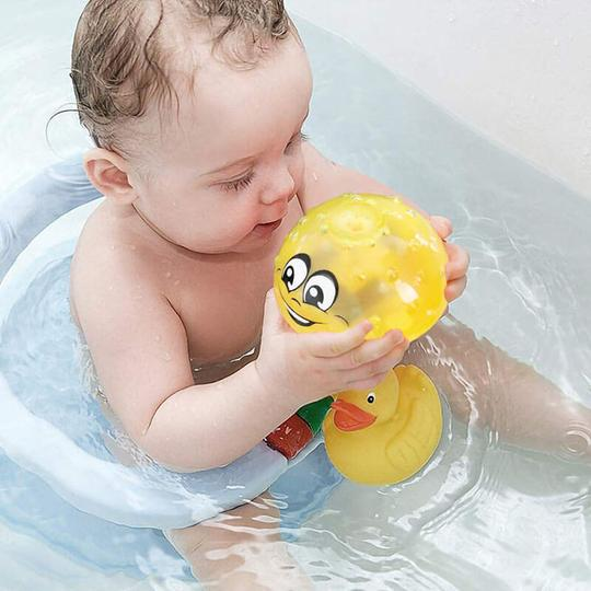 Water Spraying Bath Toy for Kids