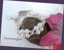 Load image into Gallery viewer, White Glass Pearl and Crystal Bracelet