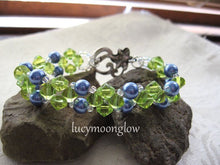 Load image into Gallery viewer, Glass Pearl and Crystal Bracelet