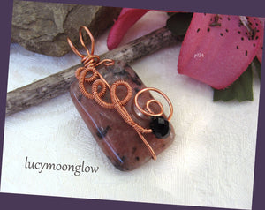 Red Kiwi Wire Wrapped Necklace