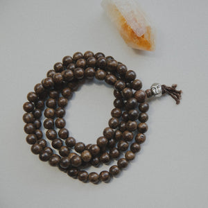 Agarwood meditation mala with silver buddha bead necklace2