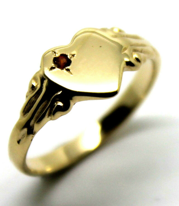 Size 6 / M 231 July Birthstone 9ct Yellow Gold 375 Red Ruby Stone Heart Signet Ring