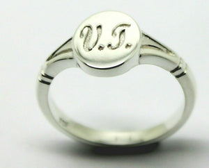 STERLING SILVER OVAL SIGNET RING ENGRAVED INITIALS VT*FREE EXPRESS POSTAGE IN OZ