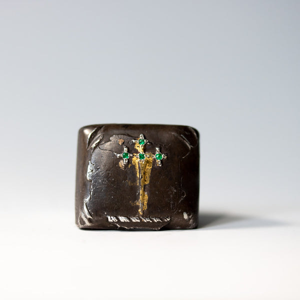 Illuminated Sword of the Righteous With Emeralds Signet Ring - Machinations