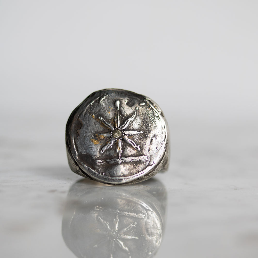 Star with accent diamond Signet Ring