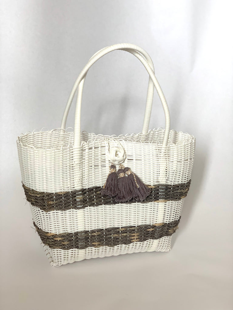 2727 - Large White Woven Purse with Gray Stripe