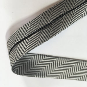 Fancy Couture Woven Bias Binding Silver Chervons 20mm