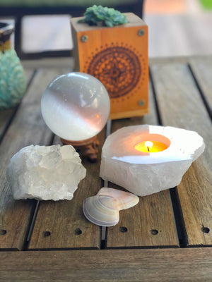 CLEAR QUARTZ TEA LIGHT CANDLE HOLDER - RETREALM