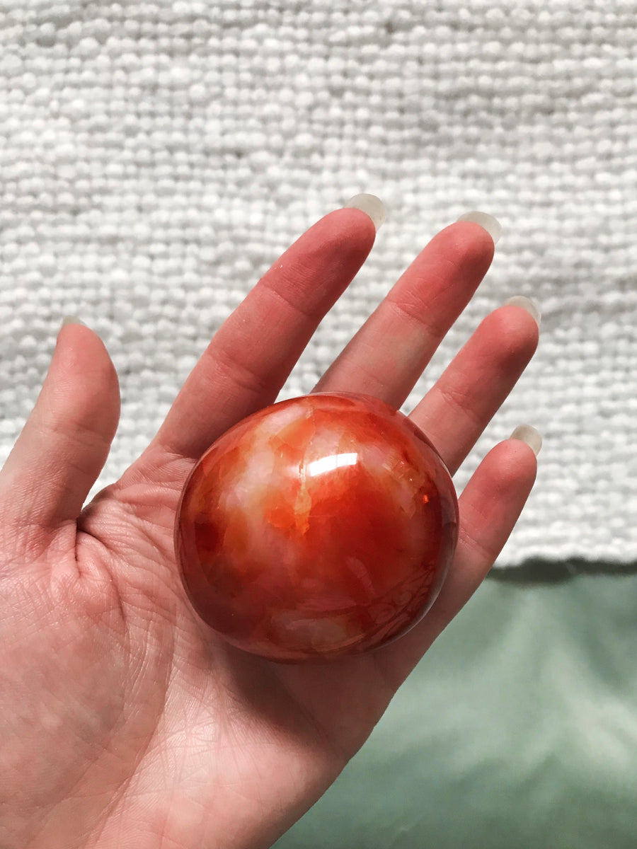 CARNELIAN ROUND PALM STONE #2 - RETREALM