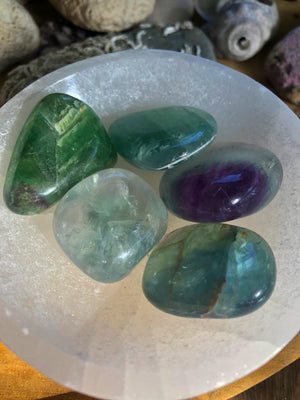 FLUORITE TUMBLE STONE - RETREALM