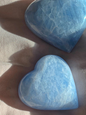BLUE CALCITE HEART PALMSTONE