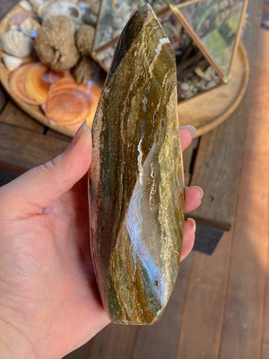 JASPER FREEFORM FLAME CRYSTAL POLISHED (472g)