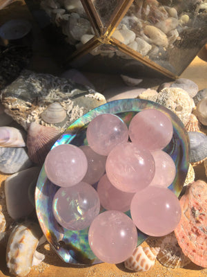 ROSE AURA MINI QUARTZ SPHERE