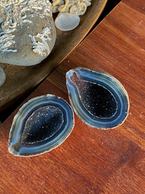 MINI NATURAL BLACK NIGHT SKY AGATE GEODE CAVE CRYSTAL X 2 (57g)