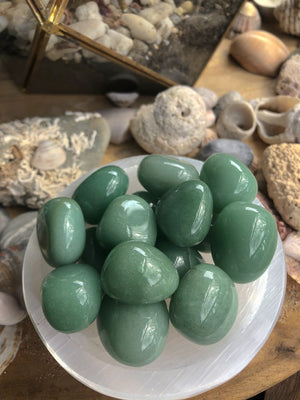 GREEN ADVENTURINE POLISHED TUMBLE STONES