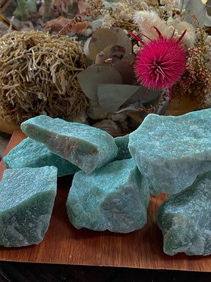 NEW JADE NATURAL CHUNK RAW CRYSTAL (1 UNIT APPROX 55-139g)