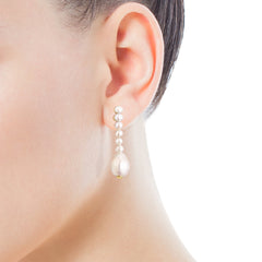 Gloss Earrings with Pearls
