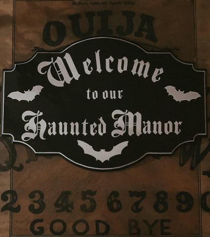 vamp manor entry sign