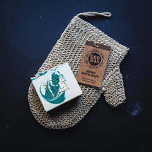 hemp bath mitt and holly king christmas soap by soap cult australia