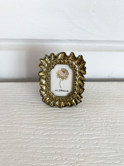 Tiny Ribbon Frame - Brass