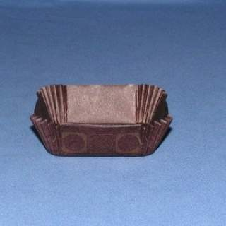 Bake Cup 2X2 Square Brown & Gold Domino Design