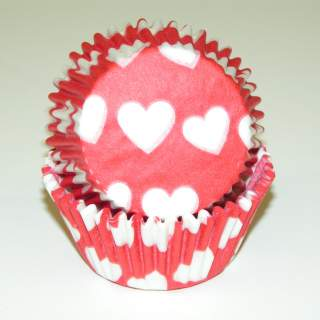 "BAKE CUP HEART DESIGN RED 1 1/4"" W X 2"" B"