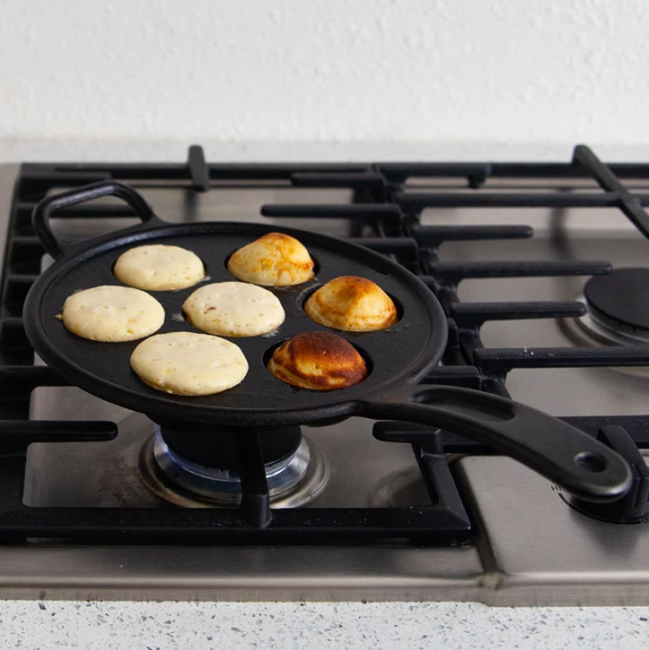 CAST IRON AEBLESKIVER PAN (7)