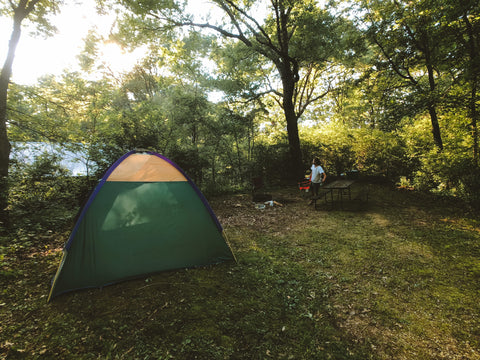 setting up the tent in perrot state park