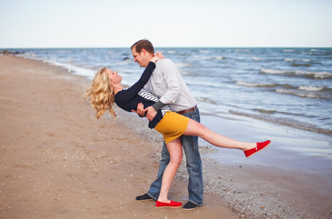 engagement photos lake michigan chicago illinois