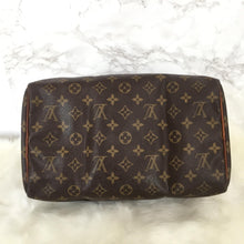 Load image into Gallery viewer, Louis Vuitton Speedy 30 Vintage Authentic Monogram