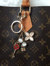 Load image into Gallery viewer, Roses Bag charm