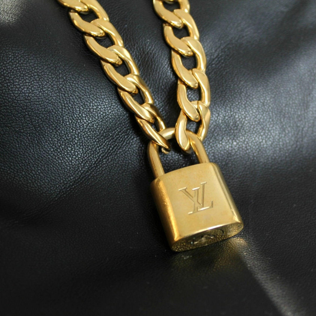 Louis Vuitton Padlock with Chunky Chain Necklace For Him