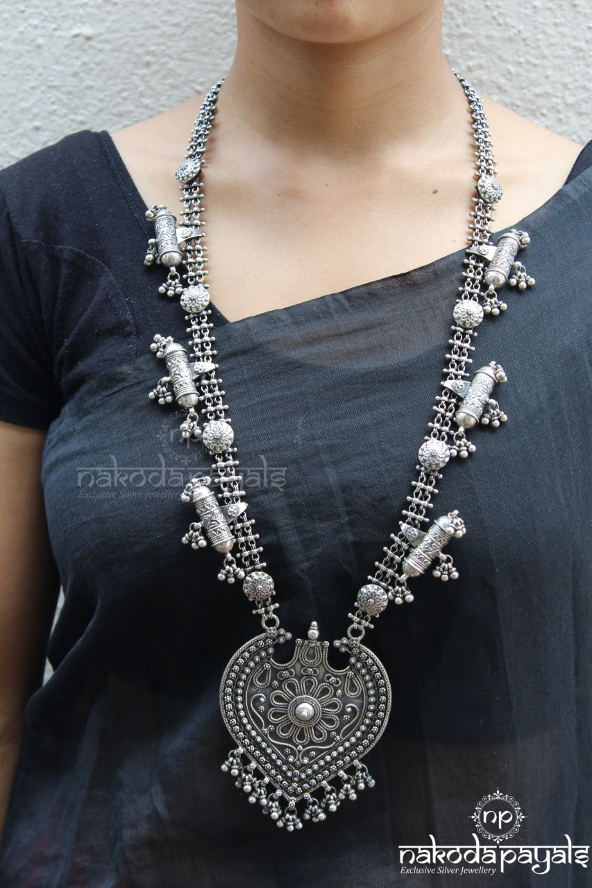 Multi Tabji In Long Pan Leaf Neckpiece