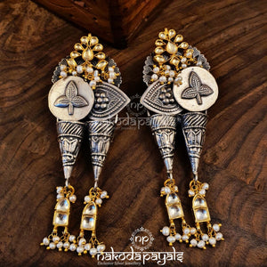 Different Dual Tone Kundan Earrings