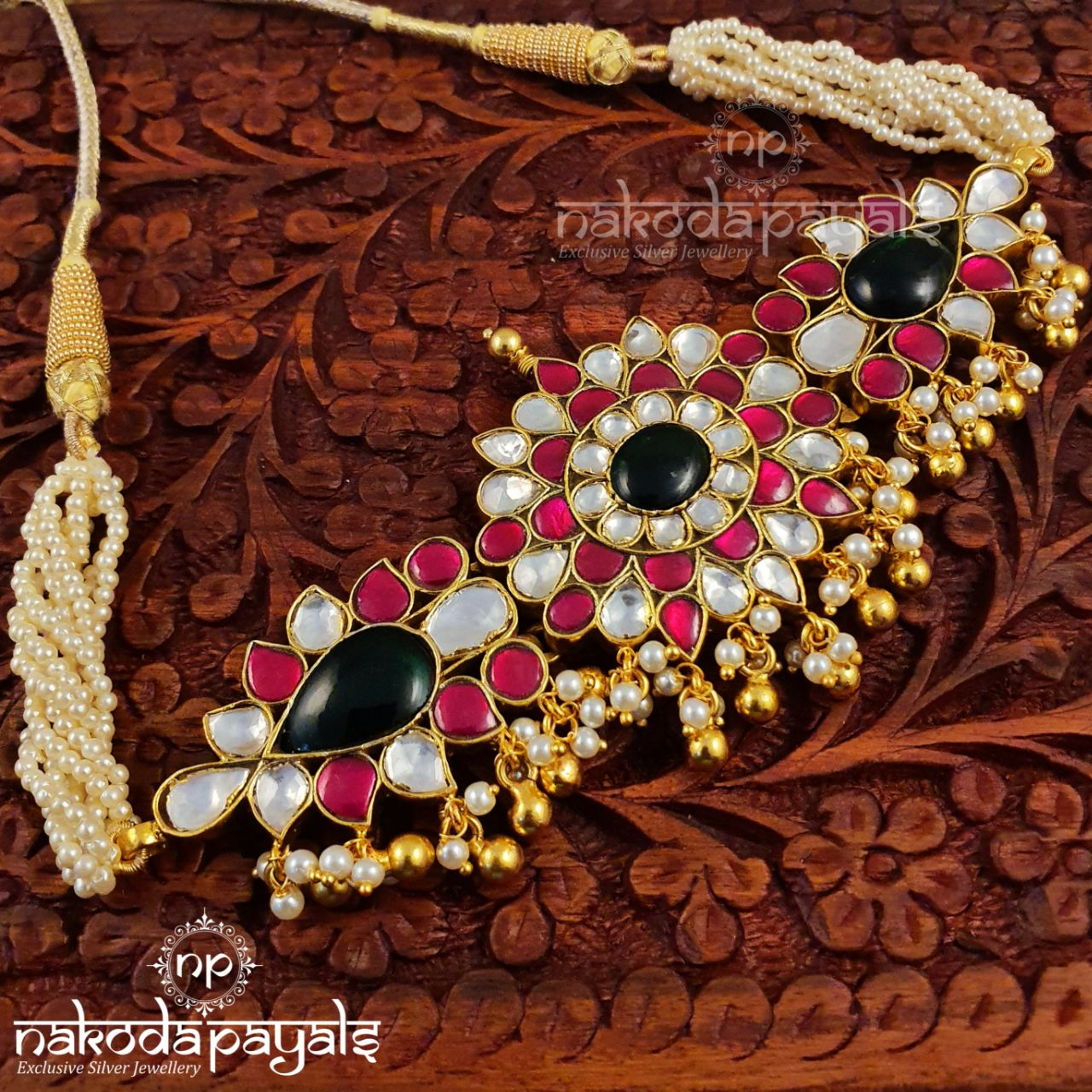 An Elaborate Kundan Piece
