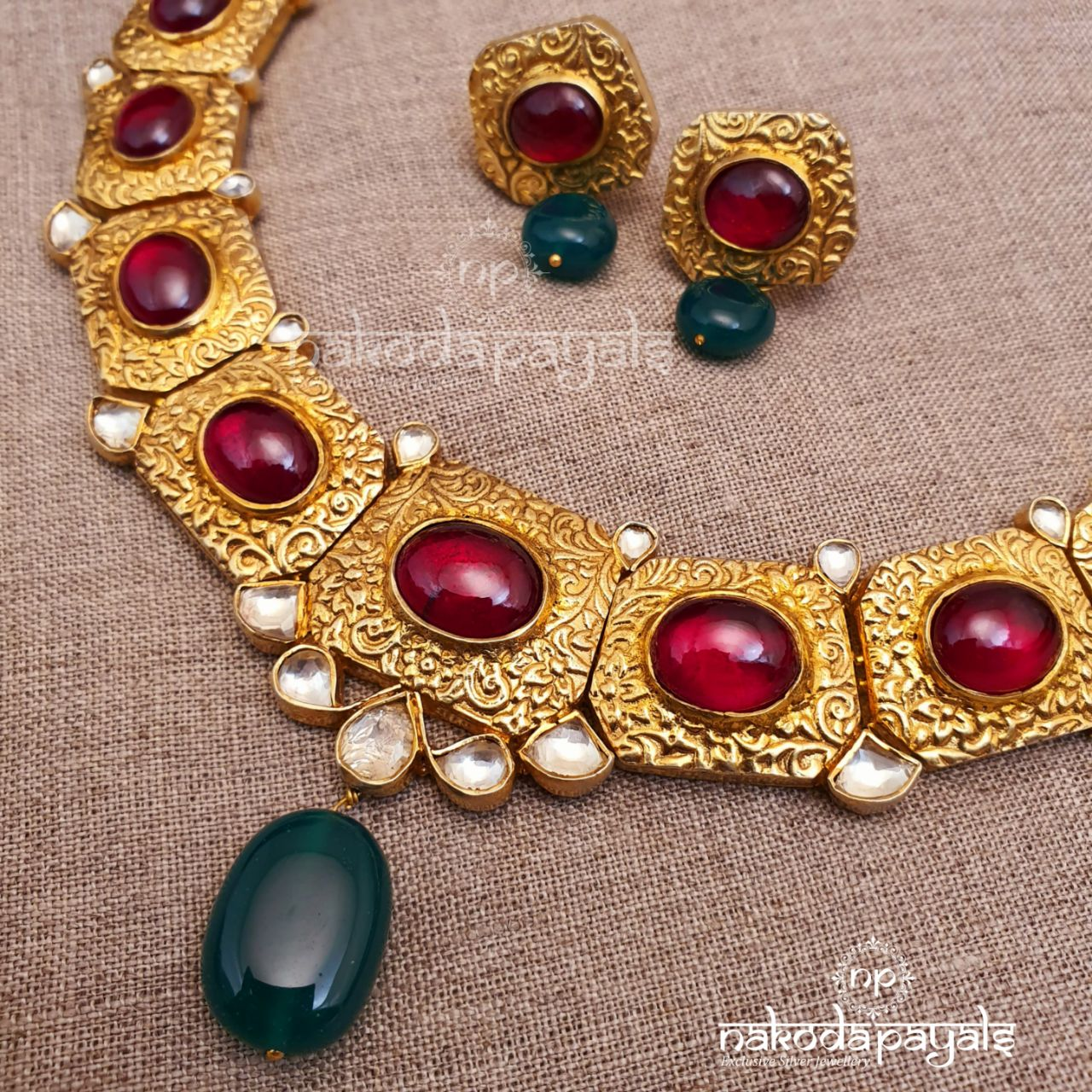 Flaming Red kundan Necklace With Earrings